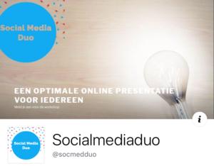 Facebook profiel en omslagfoto Social Media Duo op mobiele telefoon